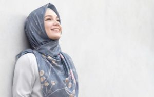 11 Potret Rumah Dewi Sandra, Musala Jadi Bagian Paling Utama dalam Hunian