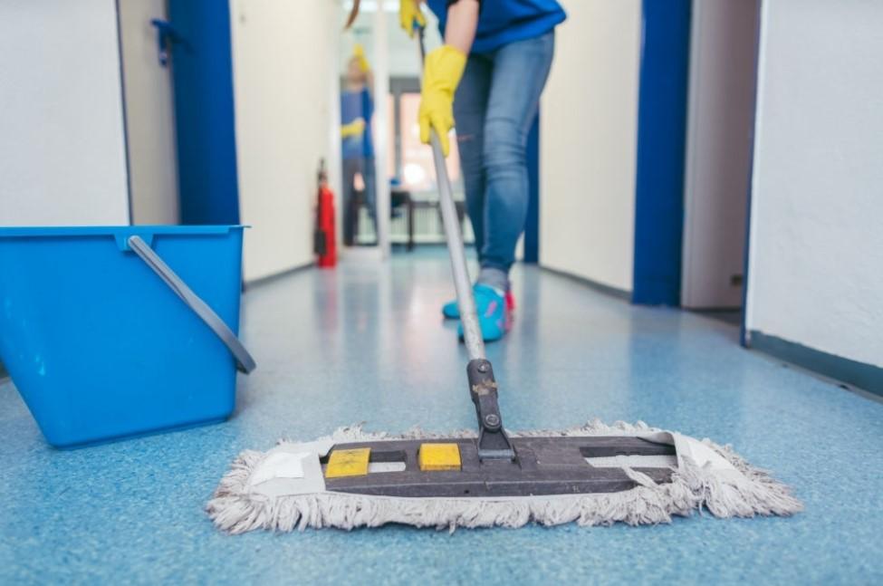 menjaga kebersihan apartemen