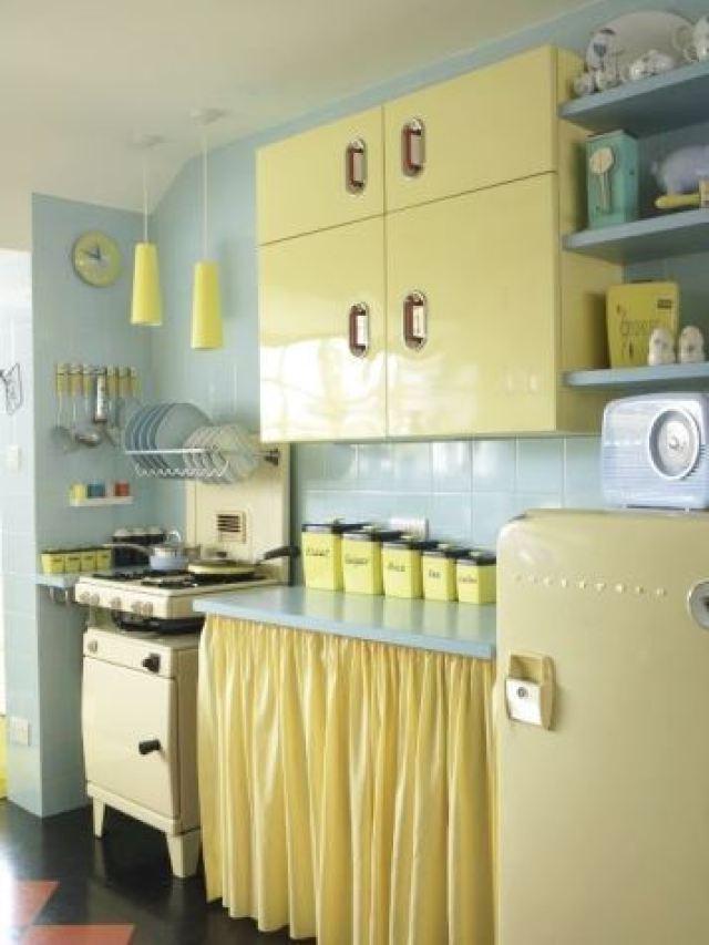 Dapur minimalis kuning biru