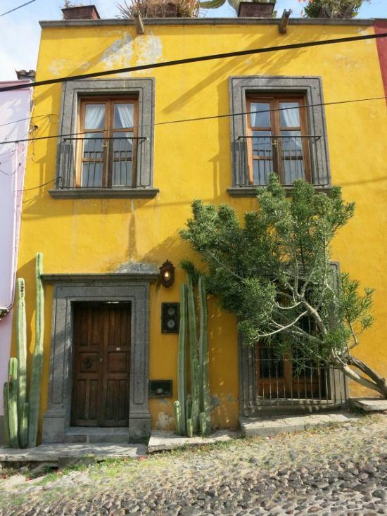 11 Desain Rumah Minimalis 2 Lantai Penuh Warna, Tampil ...
