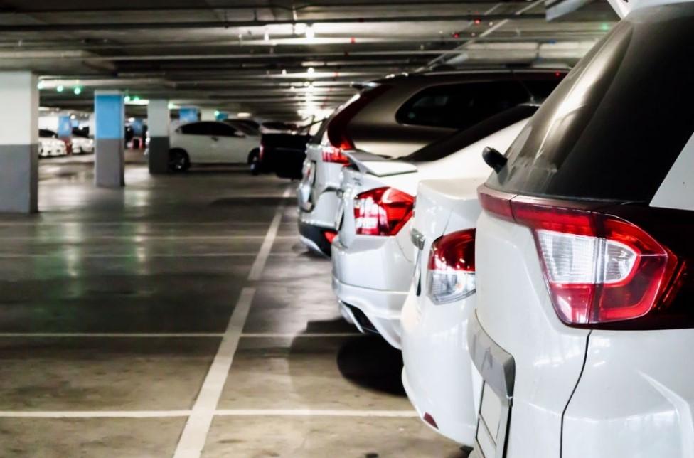 fasilitas apartemenarea parkir