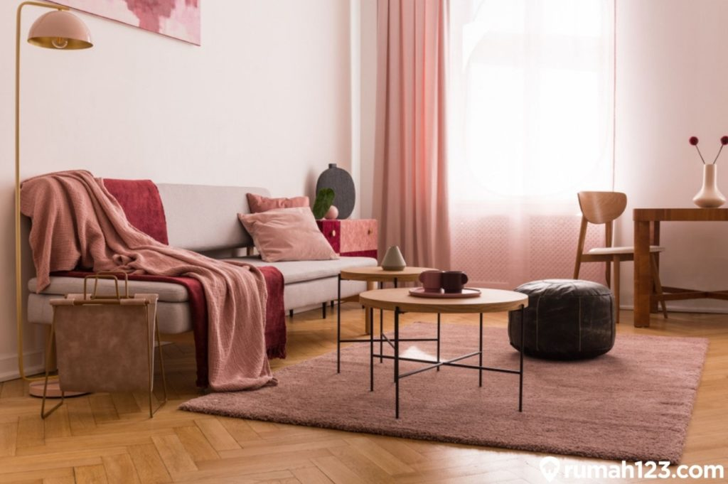 ruang tamu pink