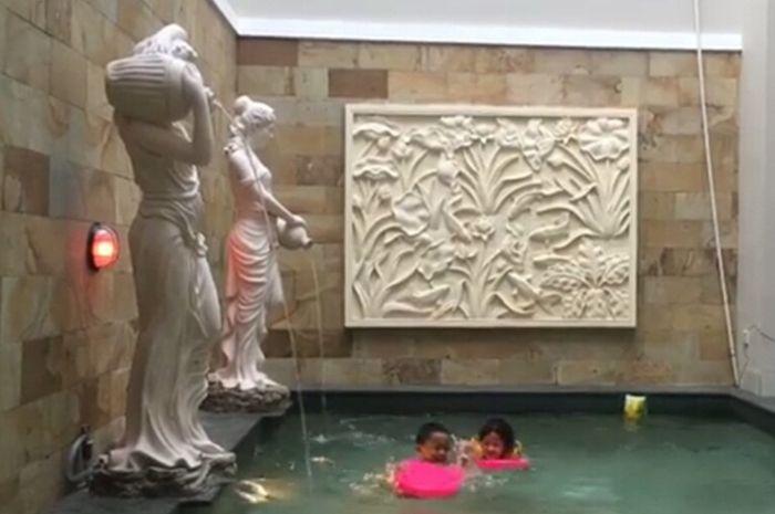 patung kolam