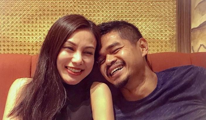 bambang pamungkas bersama istri