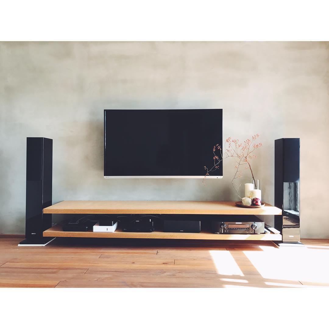 ruang tv minimalis industrial