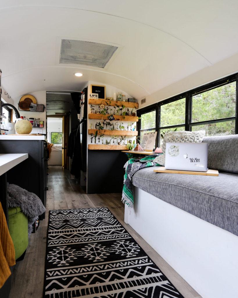 rumah mobil modern minimalis