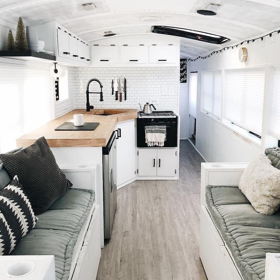 rumah mobil minimalis elegan