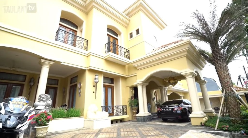 rumah bambang soesatyo