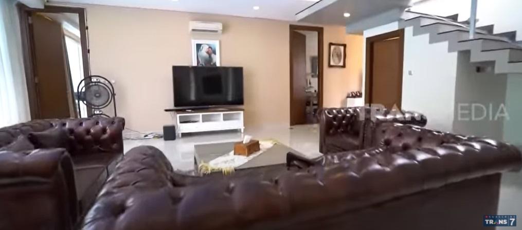 Rumah Vicky Prasetyo_2