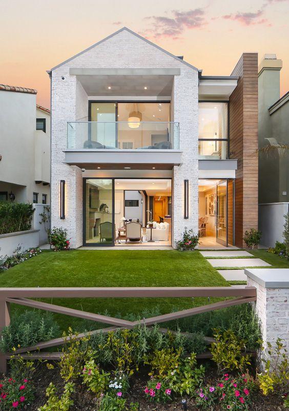 Rumah minimalis 2 lantai British