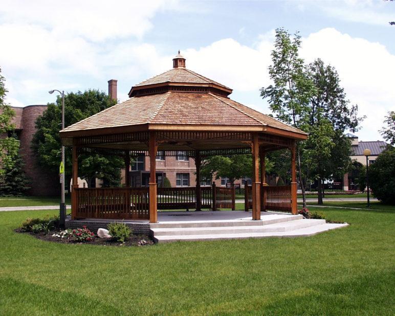 membangun rumah paviliun