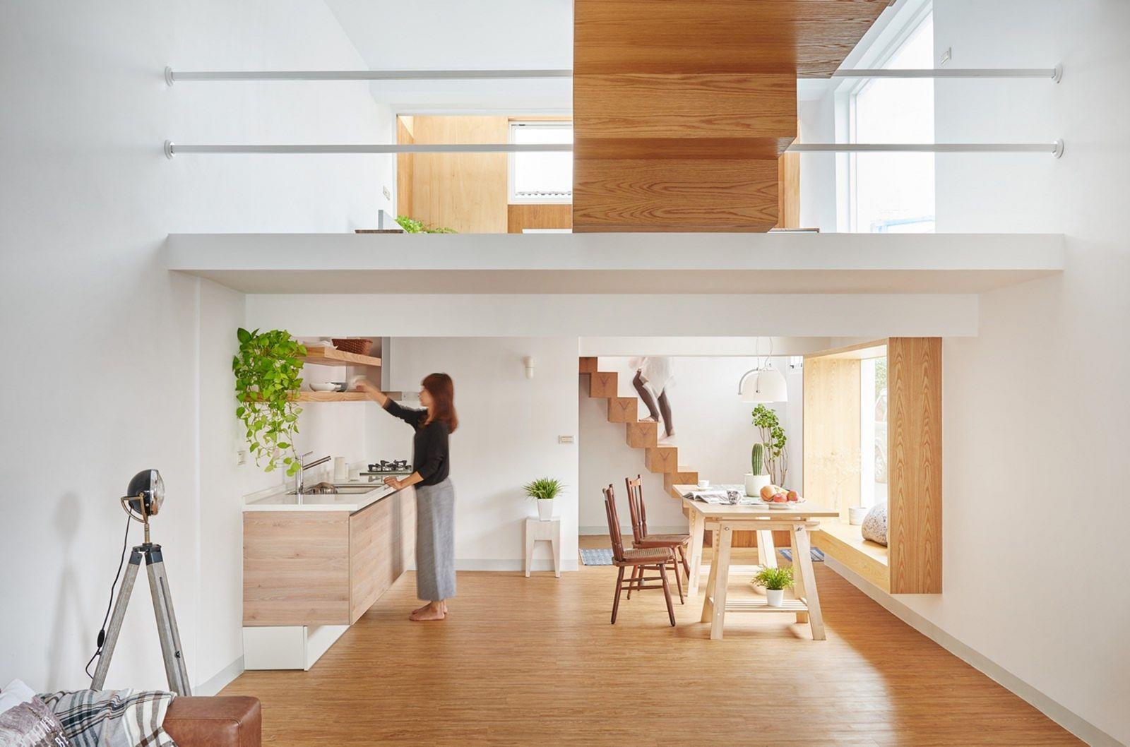 rumah kecil nyaman konsep mezzanine