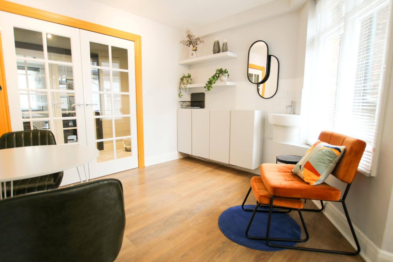 Furniture Desain Kantor Minimalis