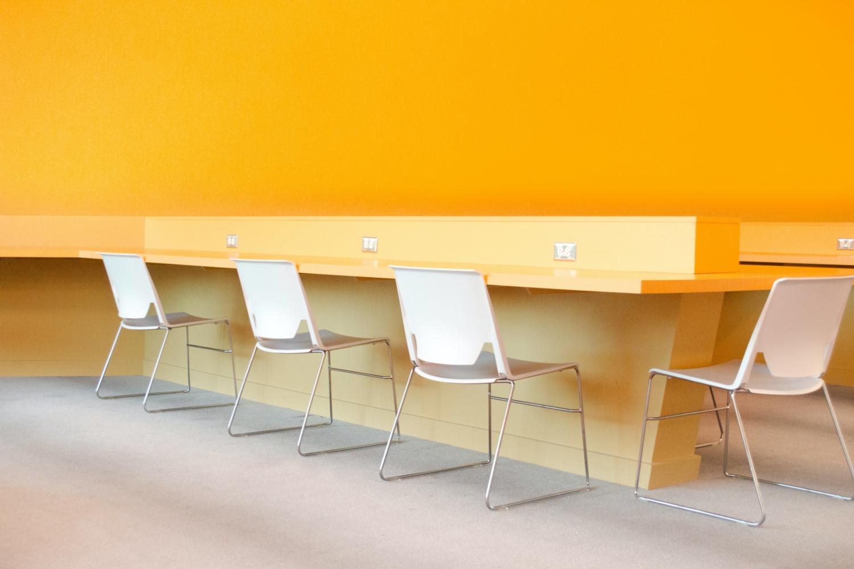 Warna Desain Kantor Minimalis