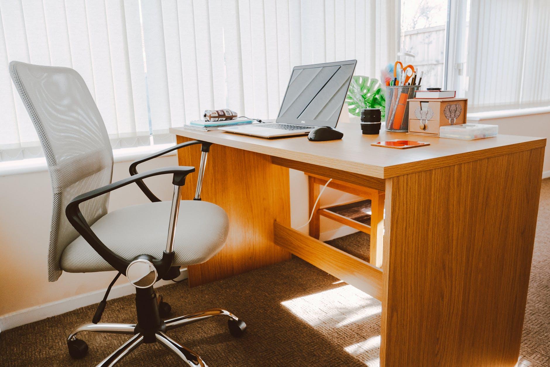 perabot kantor ideal