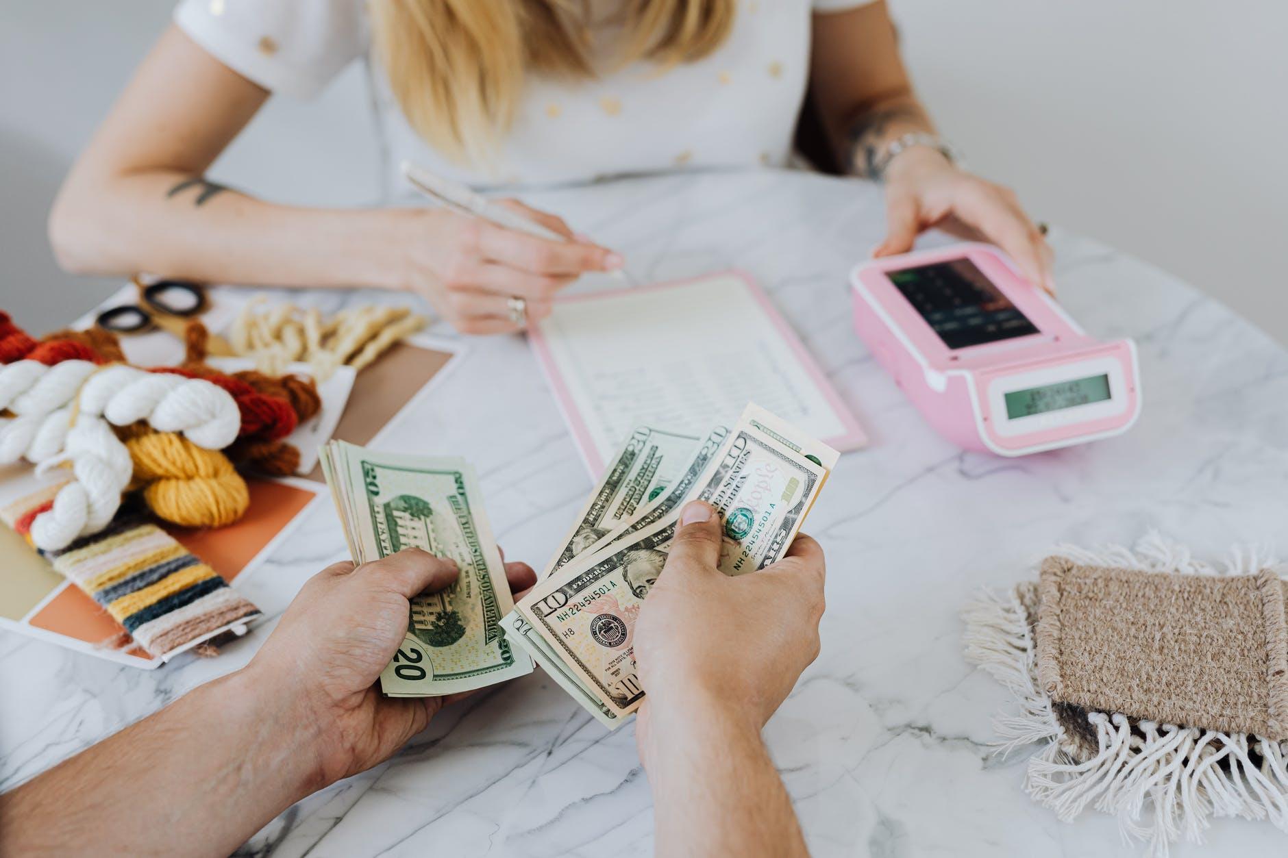 uang muka sewa apartemen