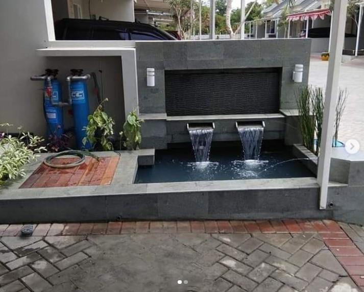 kolam ikan depan rumah (tukangtamankami)