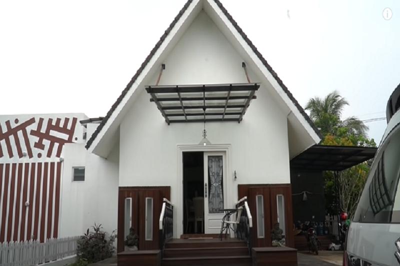 rumah Pasha Ungu