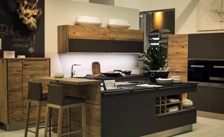 Rumah dengan Dapur Mini Bar