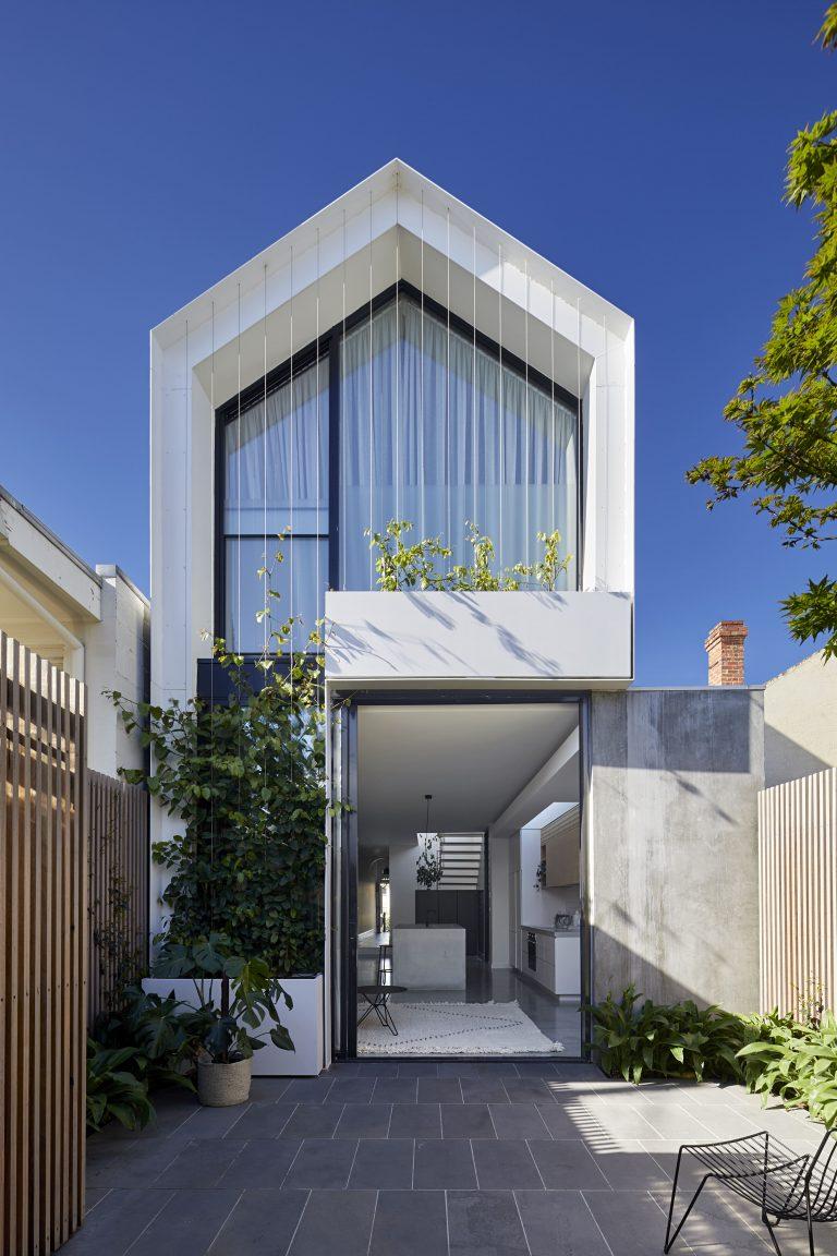Rumah minimalis modern 2 lantai_3