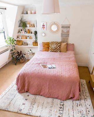 Kamar tidur minimalis Pink_5