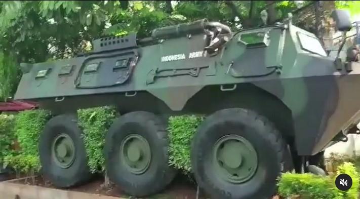 tank di rumah hendropriyono