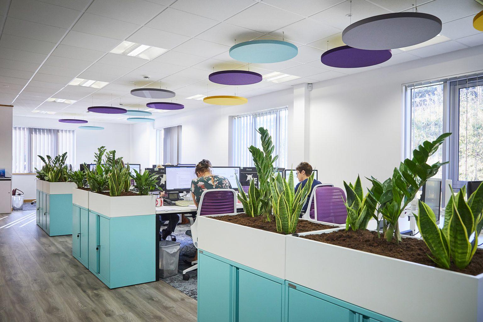 desain kantor unik hijau