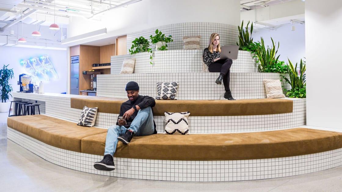 desain kantor unik nyaman