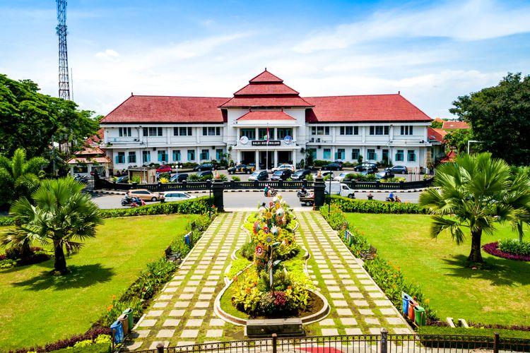 Tinggal di Malang
