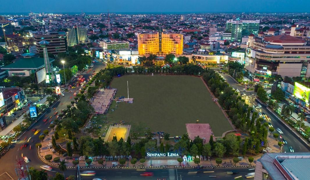 Tinggal di Semarang