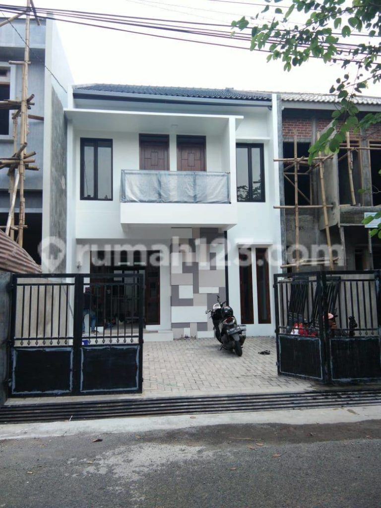 Rumah baru siap huni di Buah batu Bandung