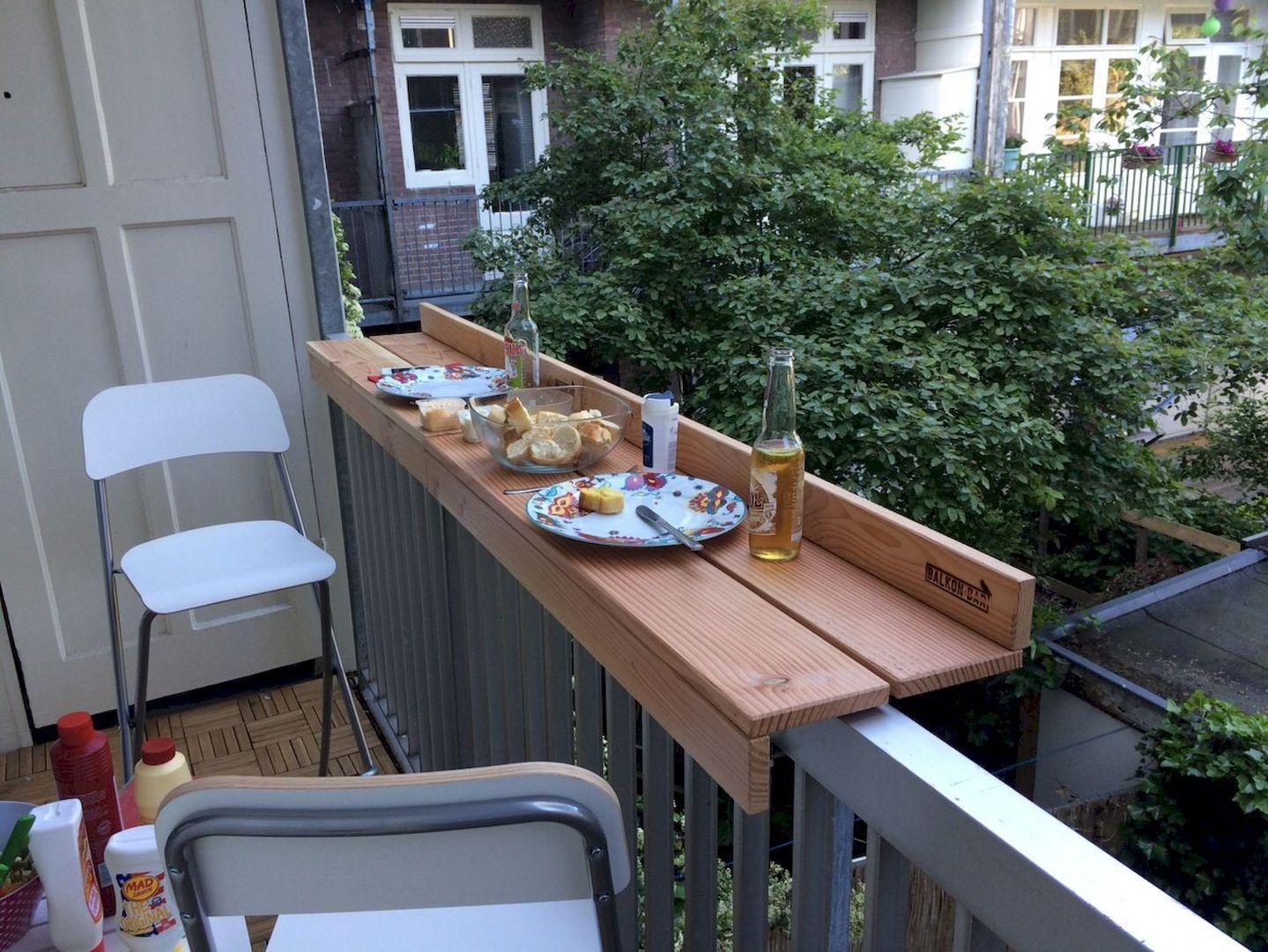 Balkon Minimalis ala Bar