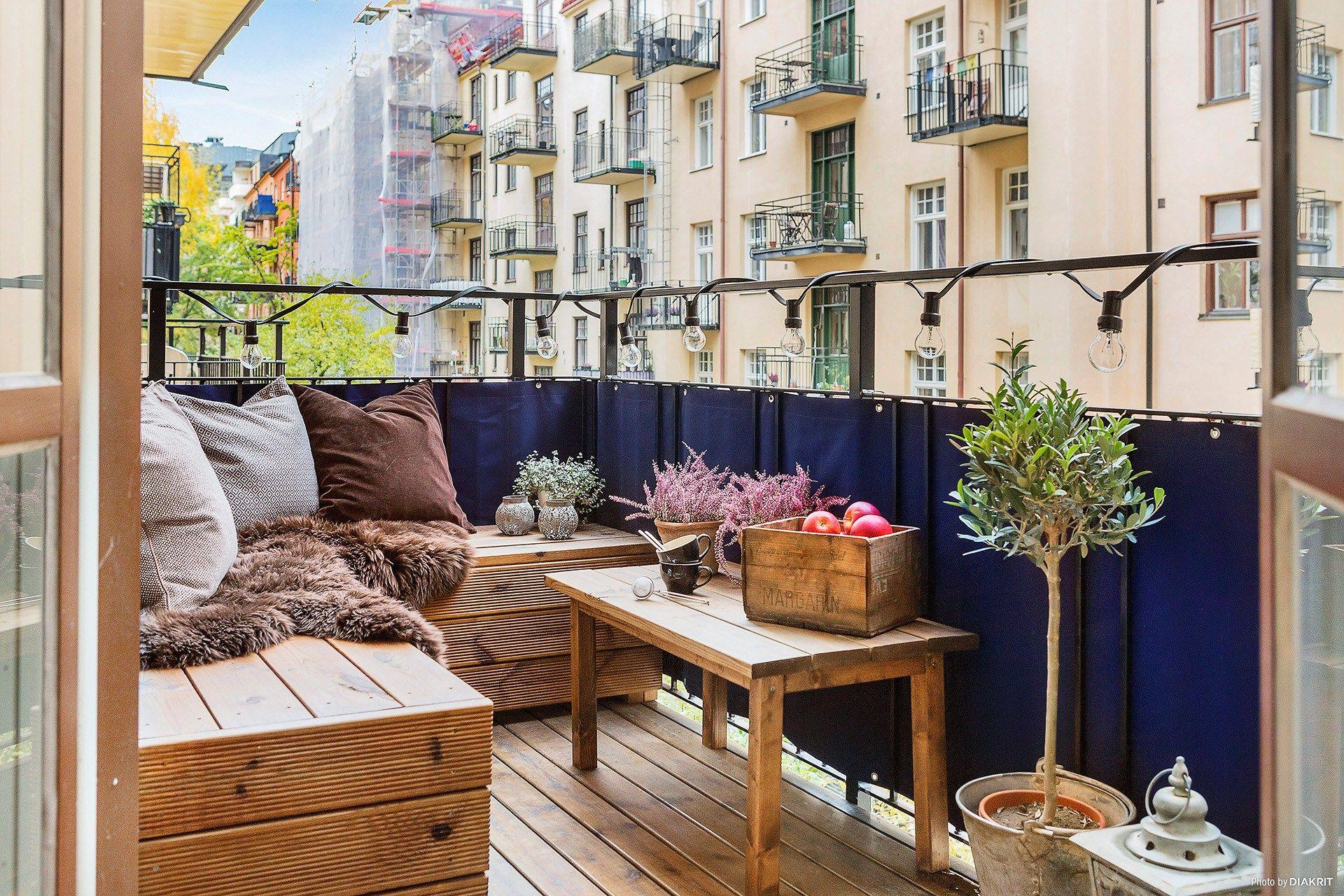 Model Balkon Rumah Tingkat Minimalis