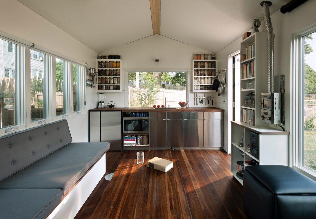 Interior Rumah Mungil untuk Pecinta Alam