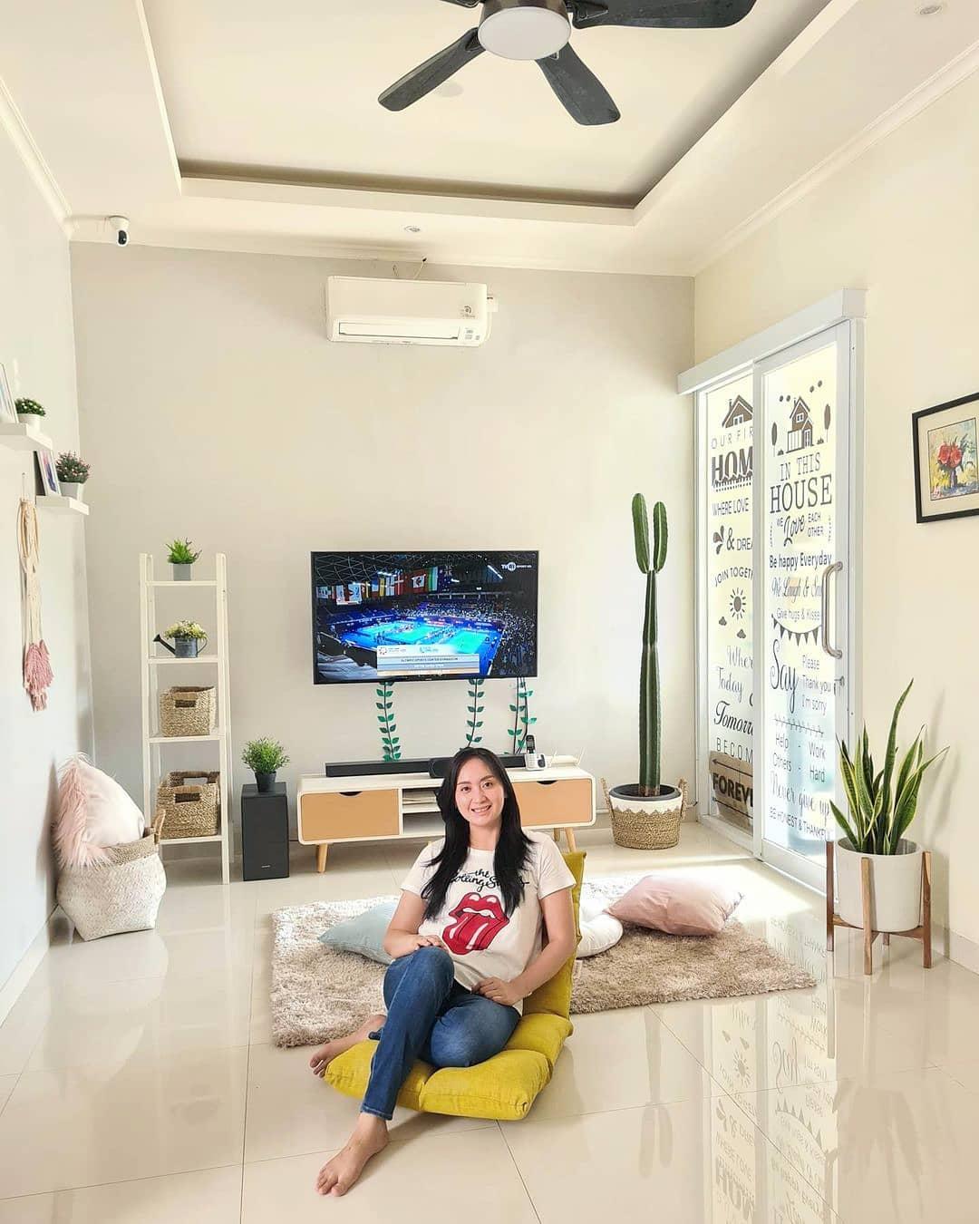 9 Desain Ruang Tv Minimalis Terbaik 2021 Cocok Di Ruangan Sempit Rumah123 Com Design ruang tv minimalis
