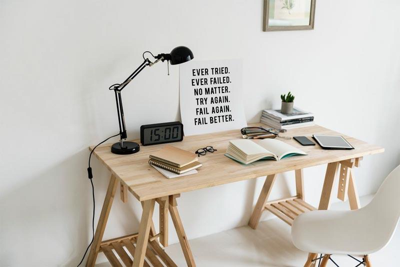 10 Inspirasi Meja Kerja di rumah