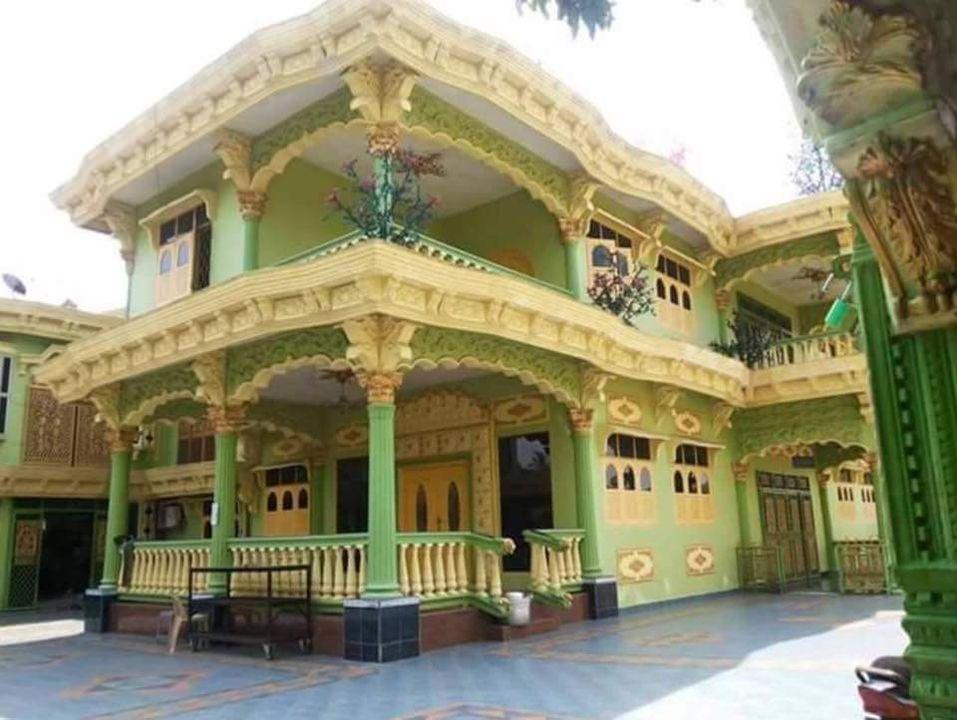Rumah mewah 2 lantai pedagang dodol 1