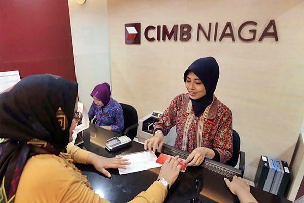 Pegawai Bank CIMB Niaga