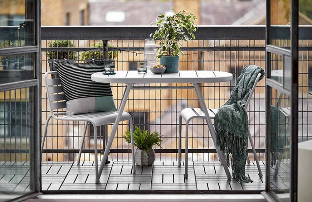 balkon-dengan-furnitur-set