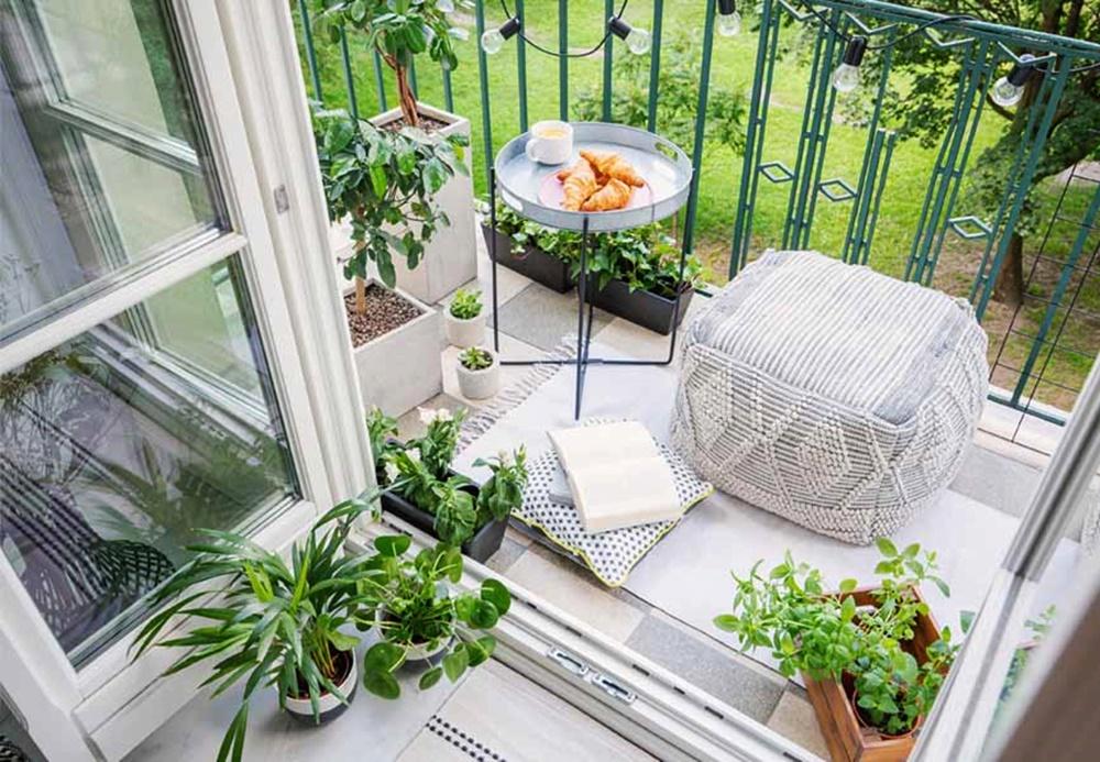 desain-balkon-lesehan