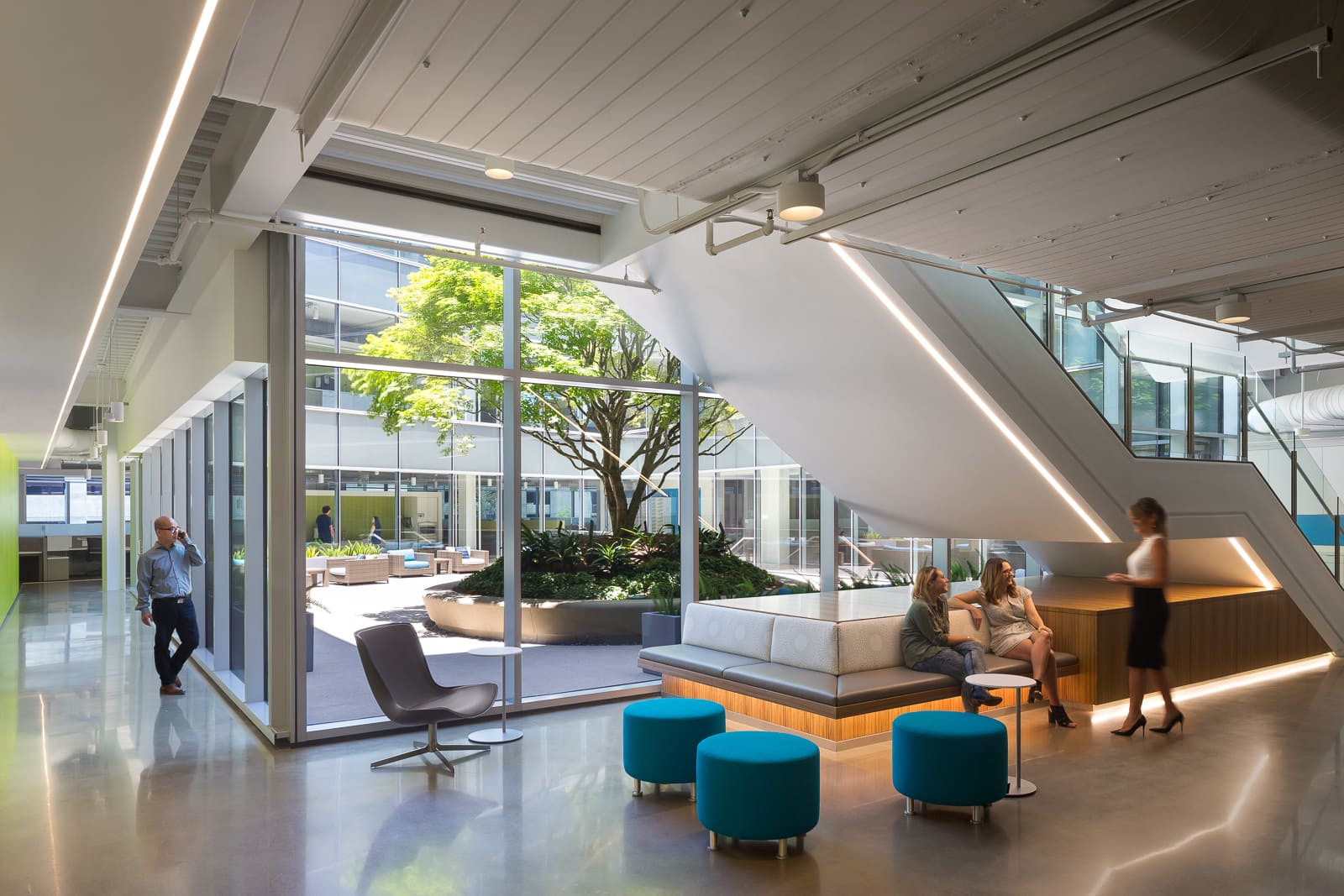 Kantor Modern Semi Terbuka