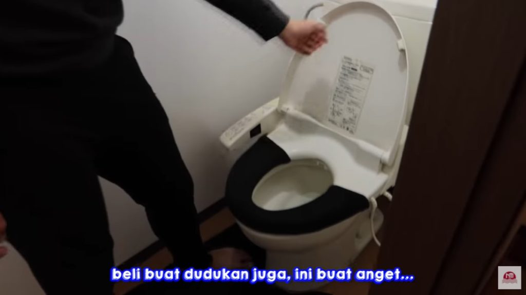 toilet rumah jerome polin
