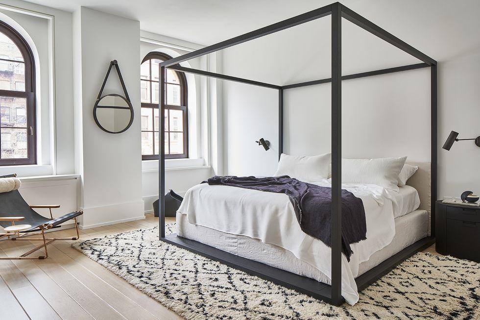 kamar tidur monokrom 7