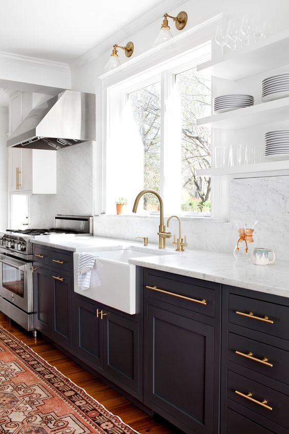 desain dapur minimalis bernuansa hitam 9