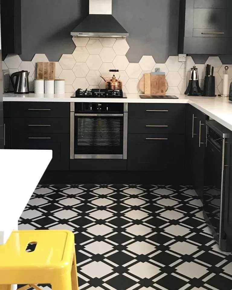 desain dapur minimalis bernuansa hitam