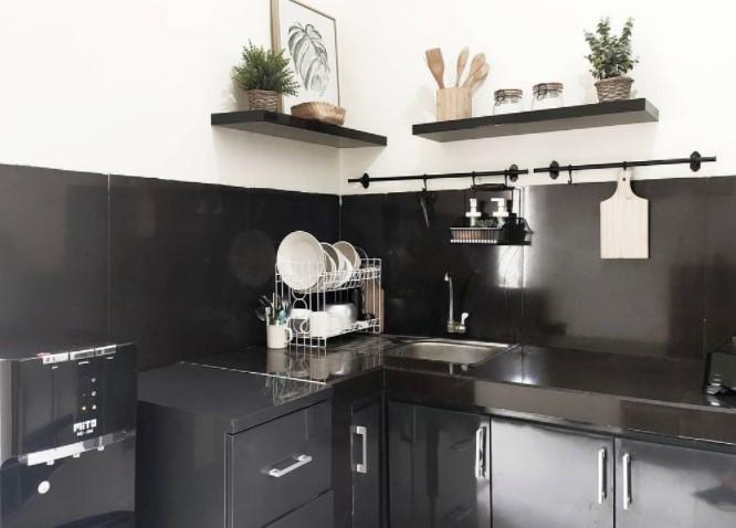 dapur serba hitam