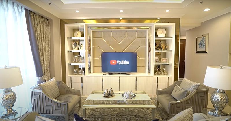 ruang tamu apartemen anak Andre Taulany