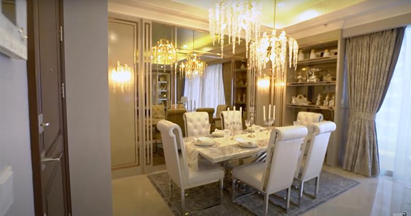 ruang makan apartemen anak Andre Taulany