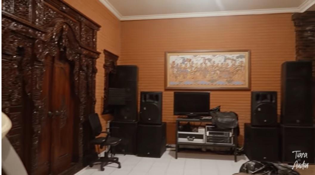 Rumah Mahalini_4