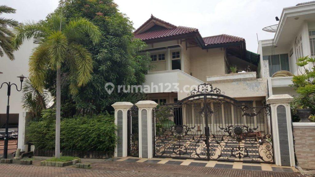 Rumah Mewah di Bukit Gading Villa